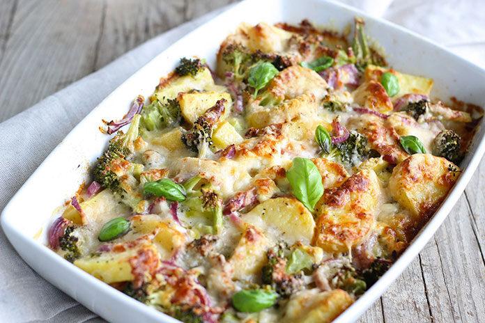 Jak przygotować casserole z kurczakiem i warzywami
