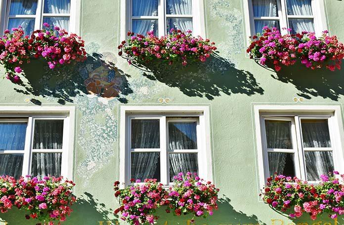 Ciepły montaż okien - co to właściwie znaczy