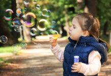 Spełnienie dziecięcych marzeń, czyli magia baniek mydlanych